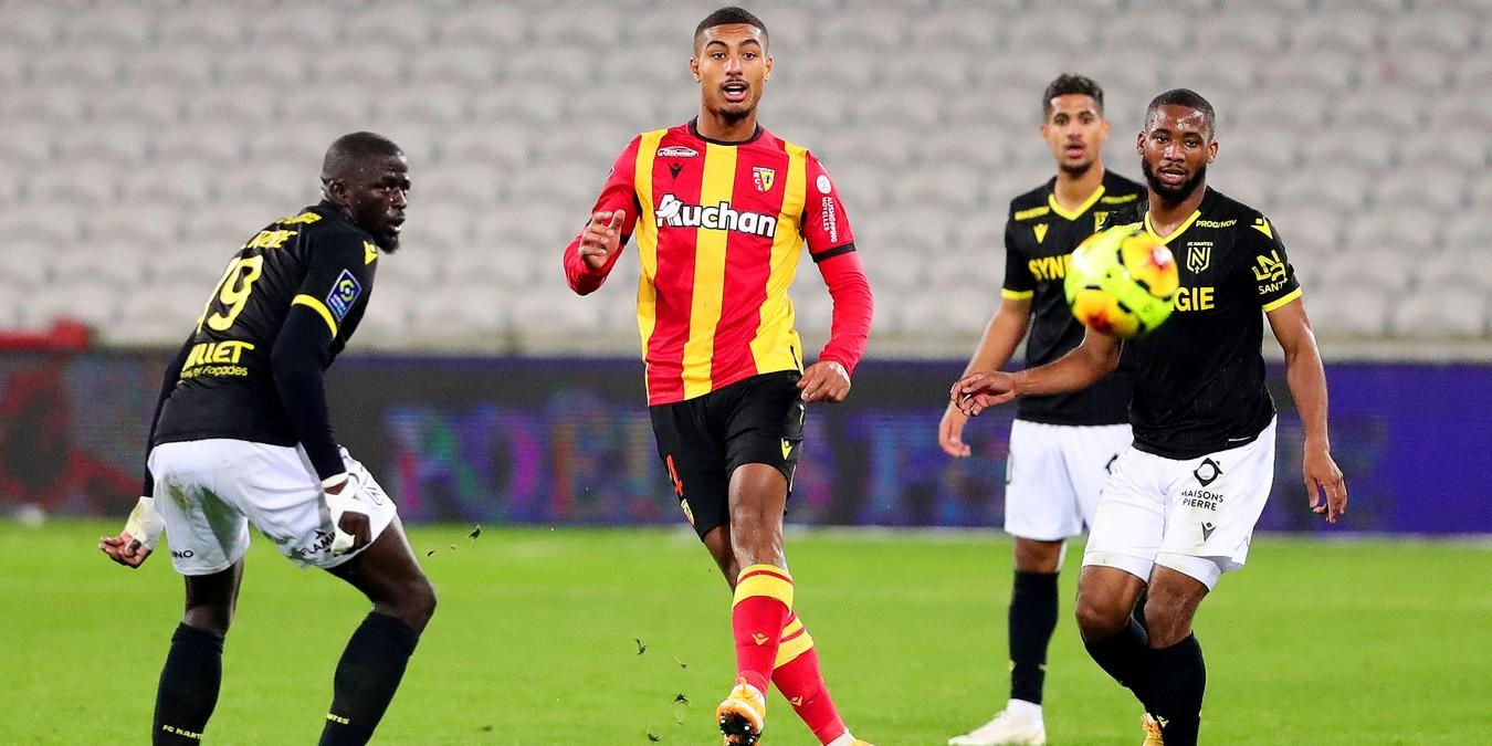 Ligue 1 outfit in talks to sign Liverpool-linked defensive prodigy compared to Raphael Varane