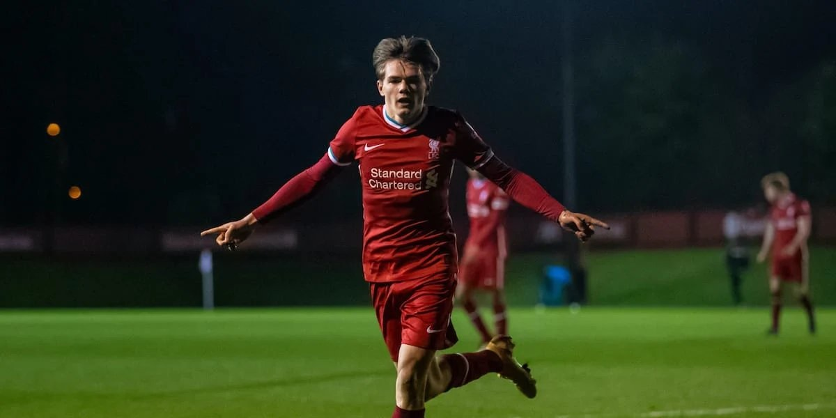 Manchester United set to sign Liverpool midfielder this summer – report