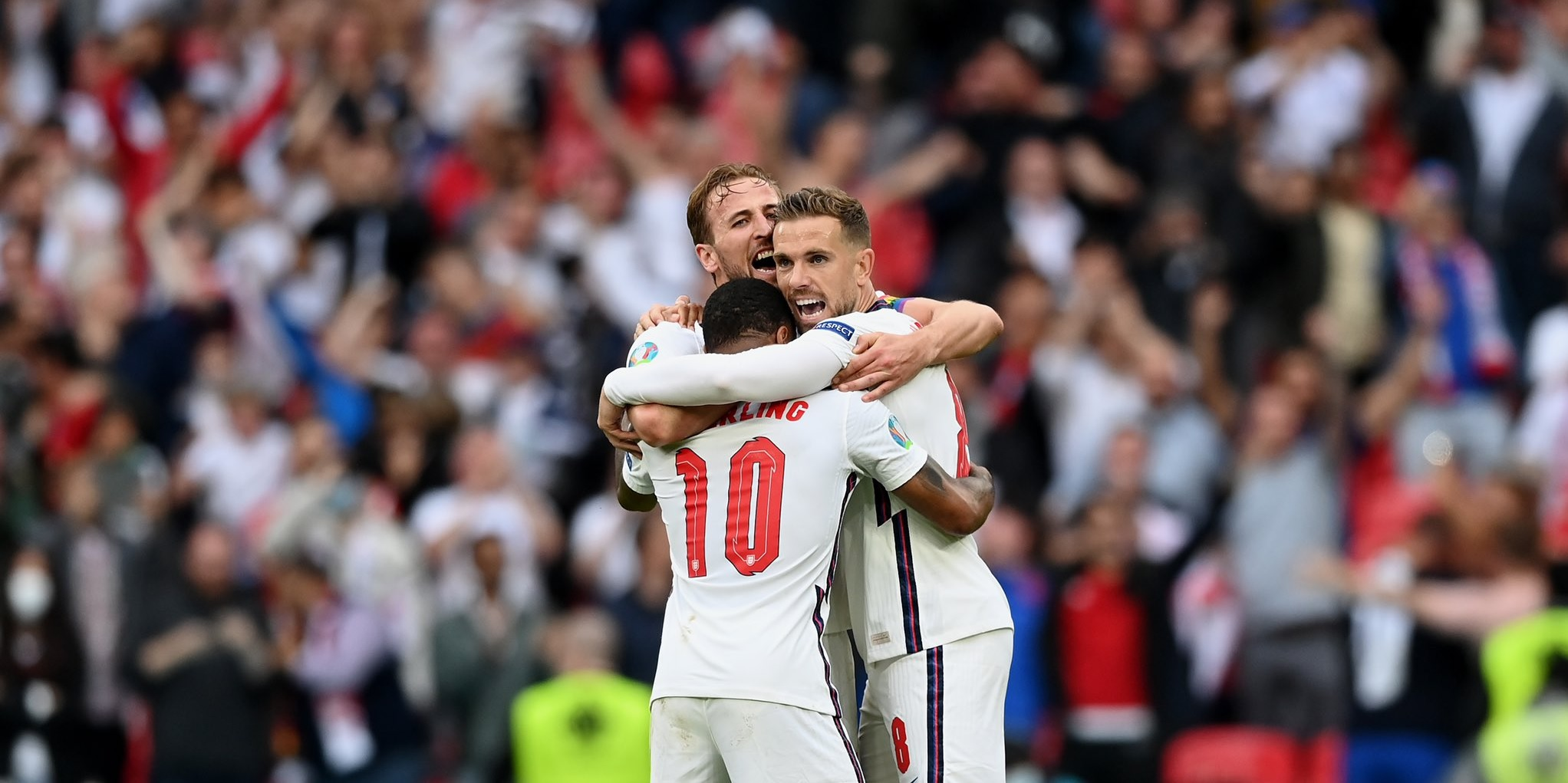 (Photo) Gerrard leaves a message for Liverpool skipper Henderson after England victory