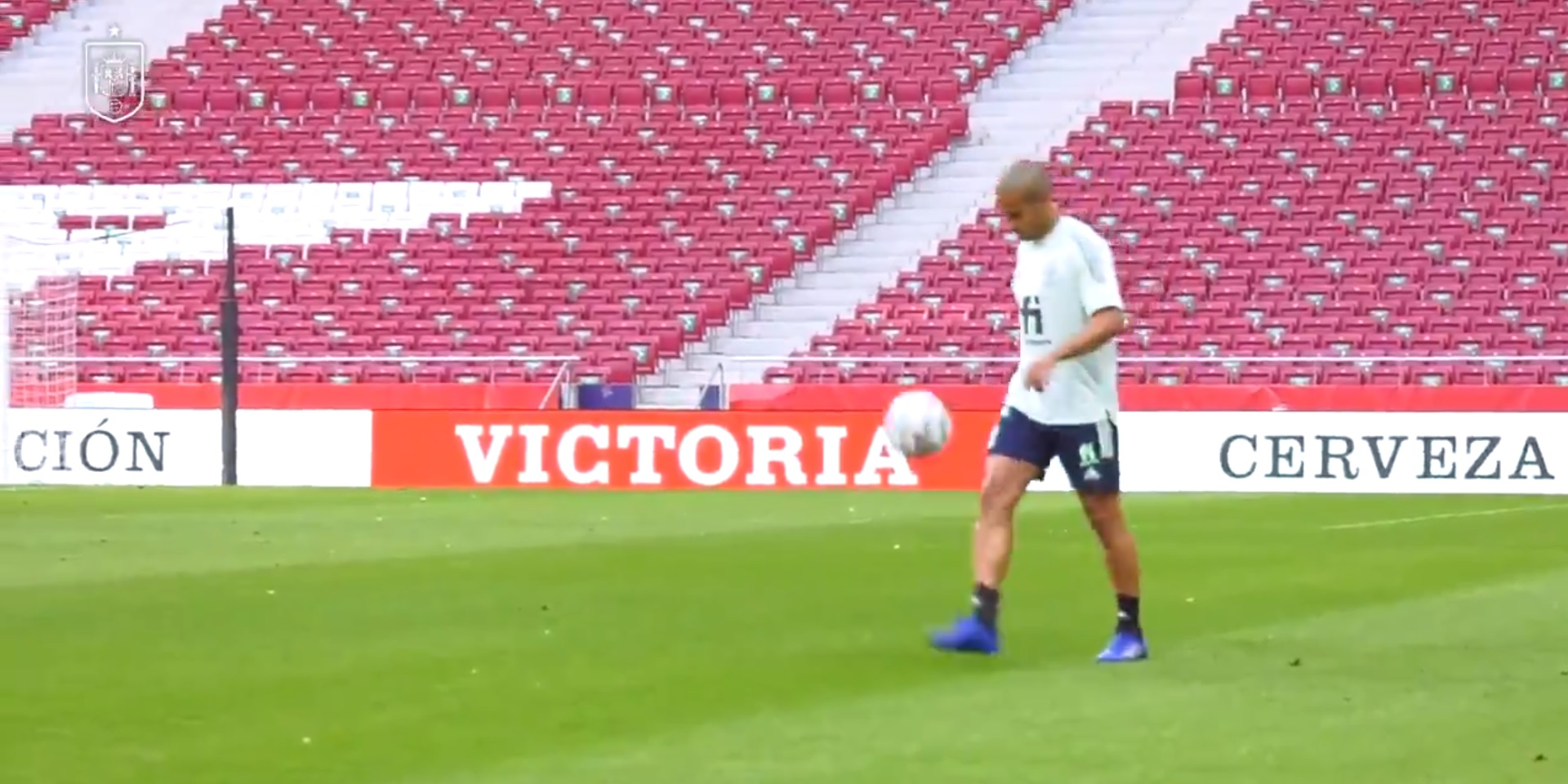 (Video) Thiago's volley passing warm-up with Rodri is mesmerising