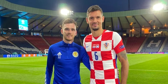 (Photo) Liverpool star poses for snap with former Red after Euro 2020 clash