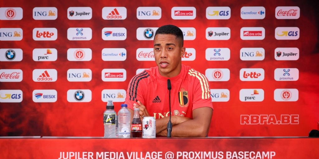 """Youri Tielemans answers Liverpool question in Euro 2020 press conference: """"Let the journalists speak"""""""