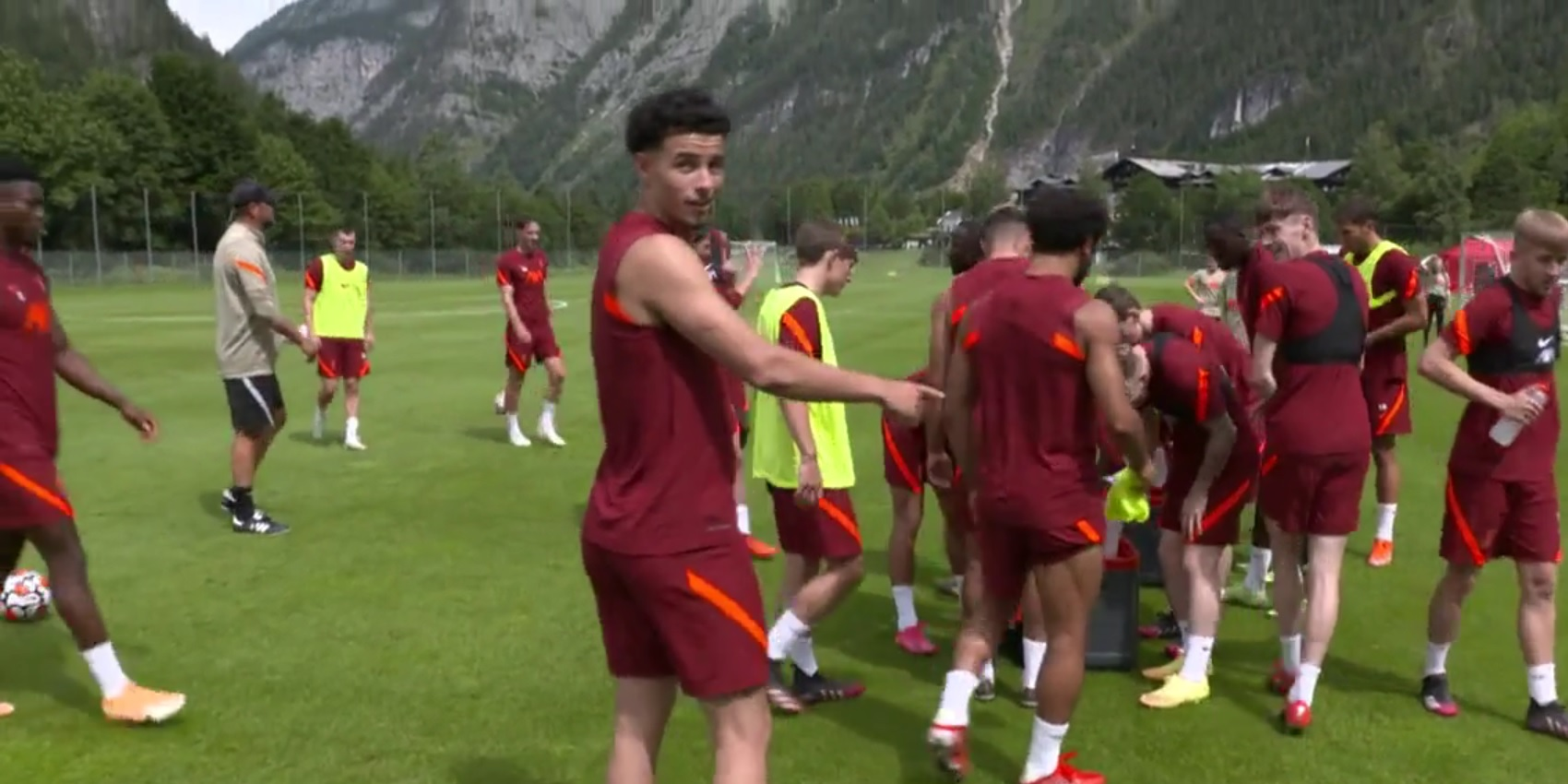 """(Video) """"Did you see that?"""" – Curtis Jones' jovial reaction to skill-move in Liverpool training"""