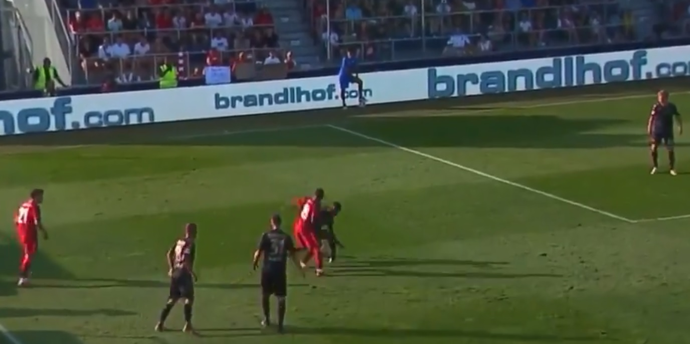 (Video) Keita wows fans with quick feet and cheeky nutmeg to beat three Mainz players