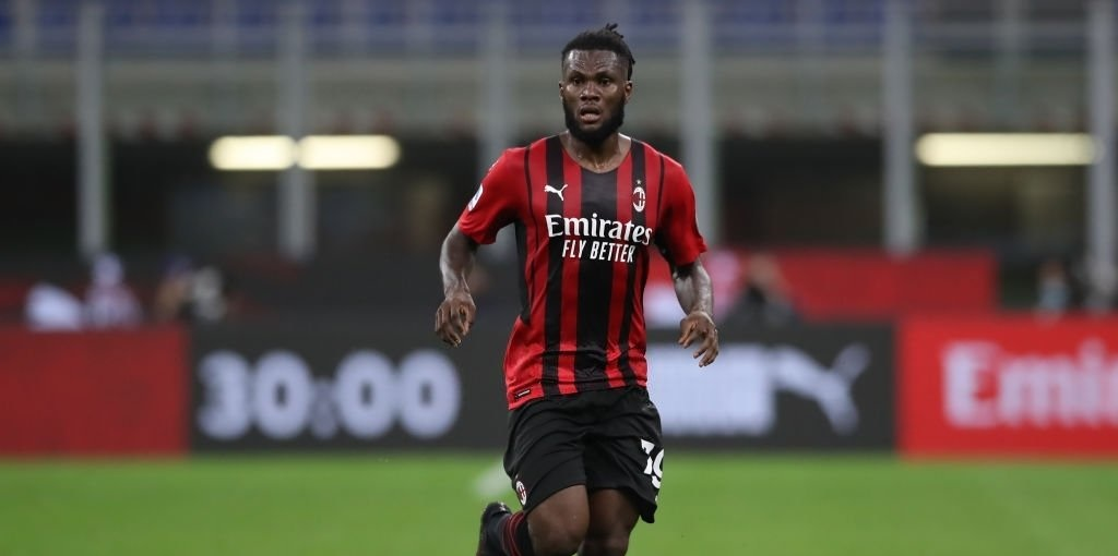 Liverpool tell £49.5m star to not sign new contract with Serie A giants; Reds prepared to snatch midfielder on a free next summer – report