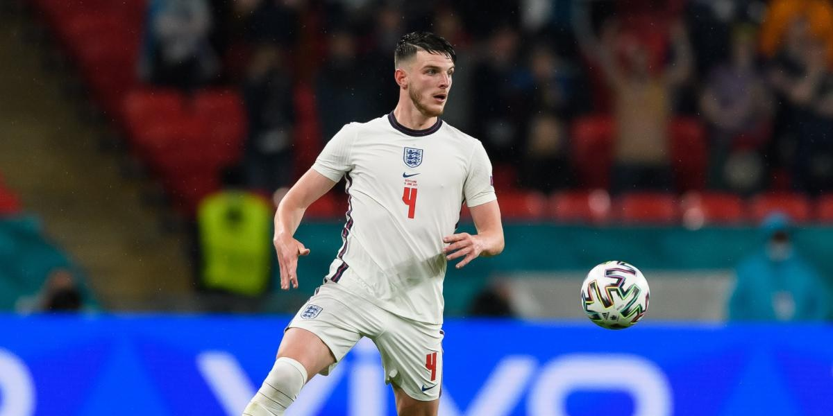 John Barnes suggests Liverpool should pursue Euros star 'similar to Jordan Henderson'