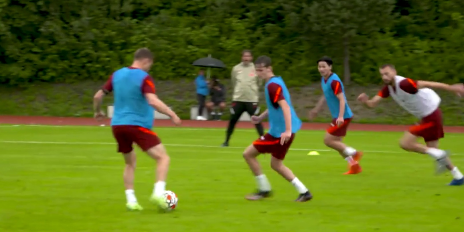 "(Video) ""Taki!"" – Liverpool coach buzzes as Minamino scores goal in training"