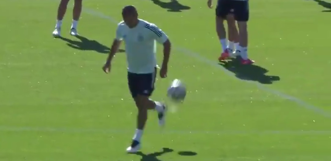 (Video) Thiago makes skill-move look ludicrously easy at Spain's Euro 2020 training camp
