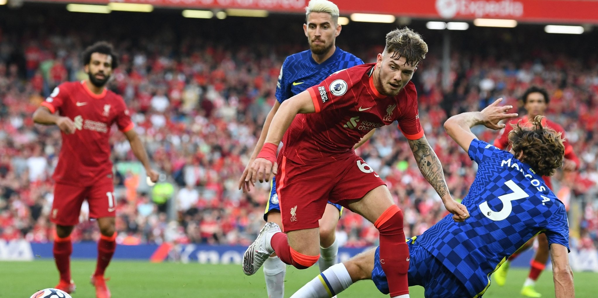 Arsenal legend compares Liverpool star to Messi: 'He's a real talent'