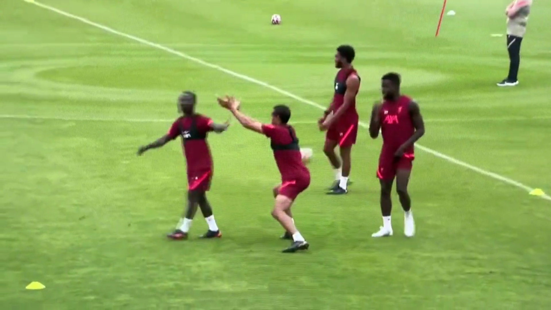 (Video) More 'No Context Joel Matip' gold emerges as LFC defender reacts to Naby Keita