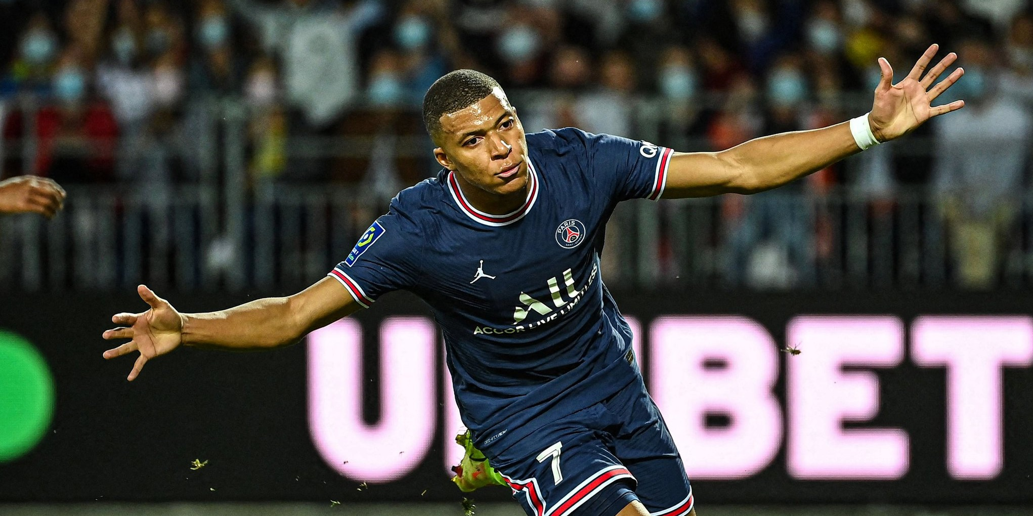 Romano issues update on Mbappe future after reports suggest Liverpool made bid for PSG star