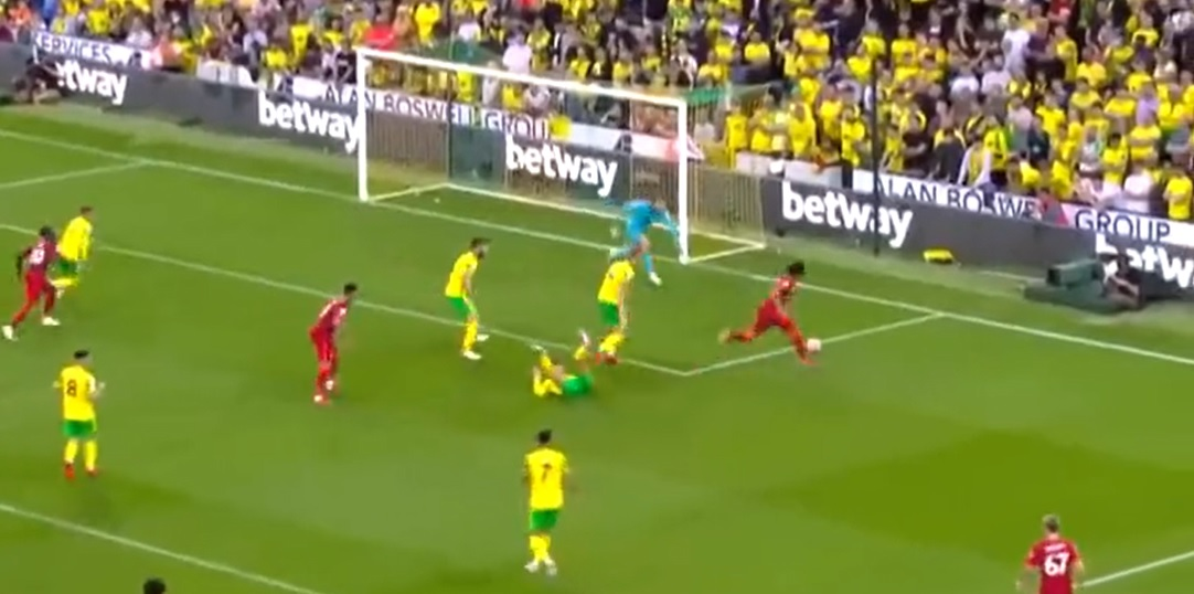 (Video) Mo Salah's glorious solo run that saw him put a Norwich defender on his back with quick feet