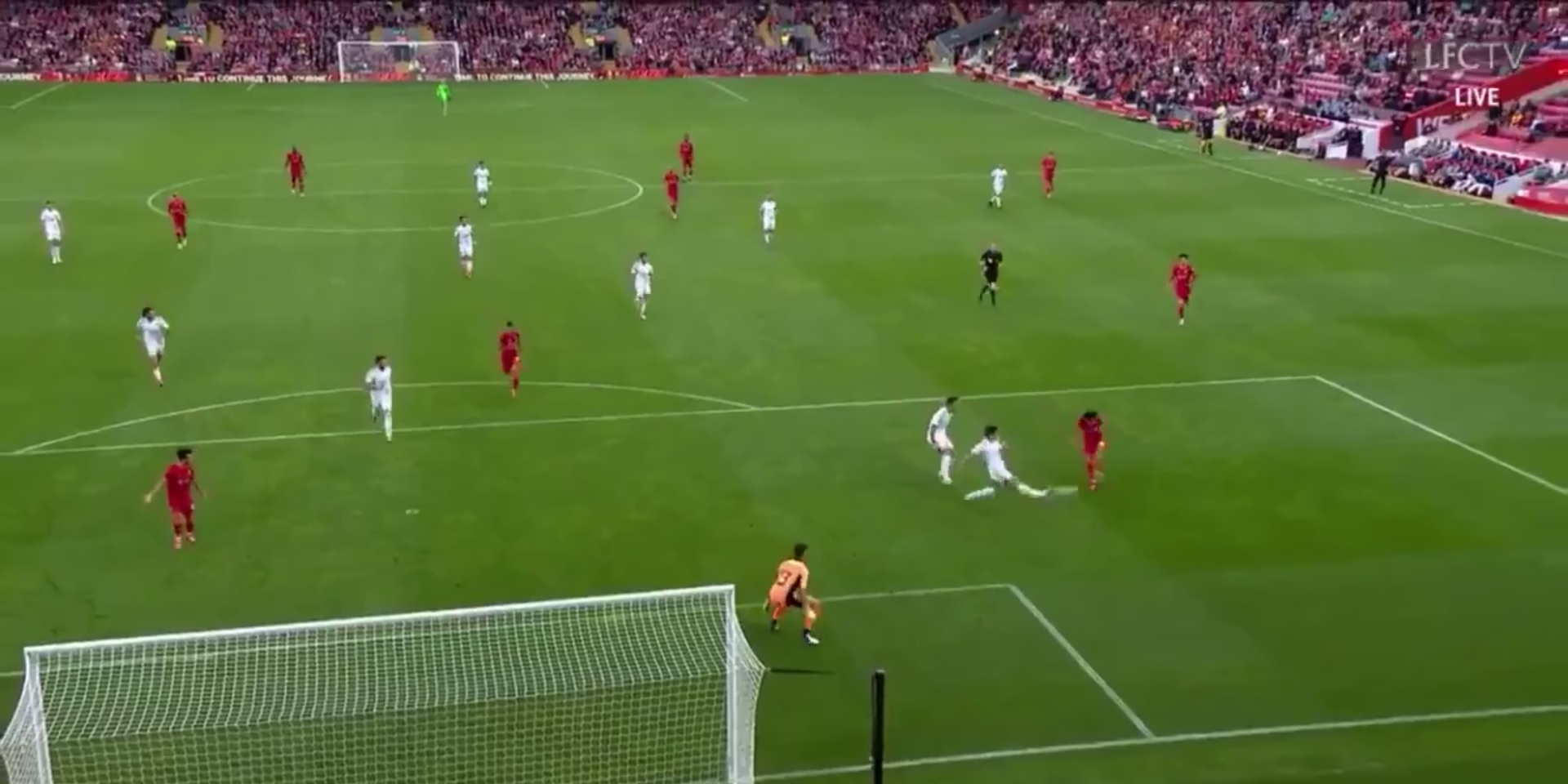 (Video) Minamino scores again for Liverpool in pre-season with fortunate finish
