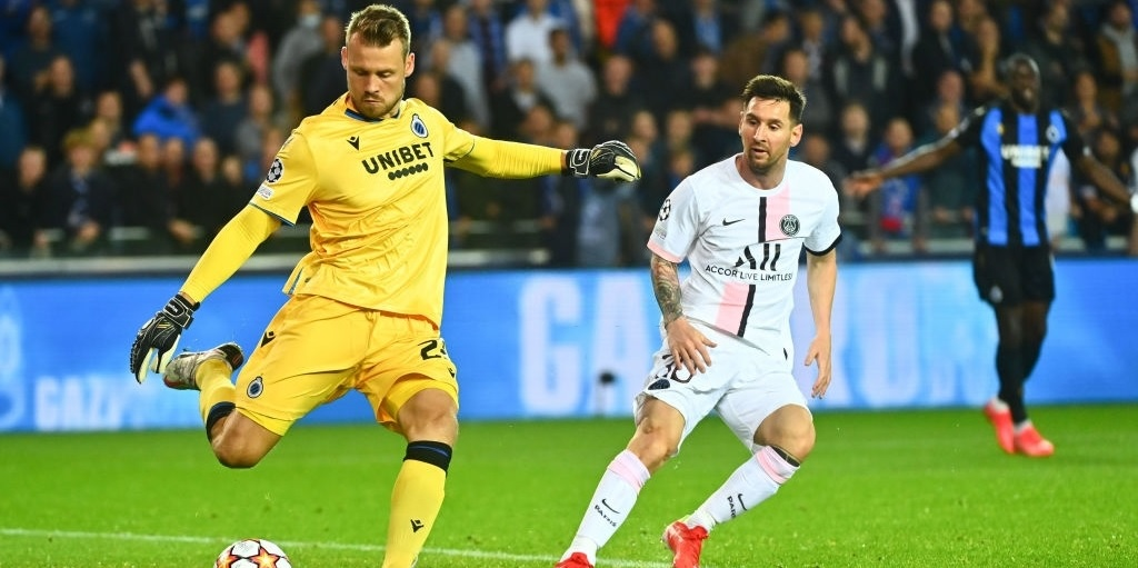 Ex-Liverpool goalkeeper Mignolet claims he was barely tested by Messi's PSG in the Champions League