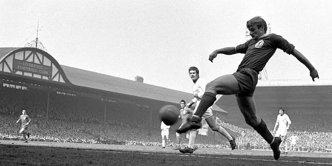 "Jurgen Klopp honours late Liverpool legend Roger Hunt: ""Second to no-one"""