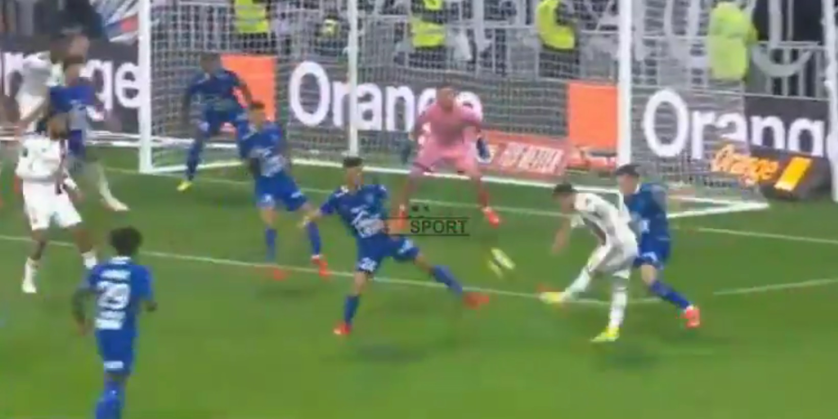 (Video) Former LFC star Xherdan Shaqiri scores brilliant first goal for Lyon