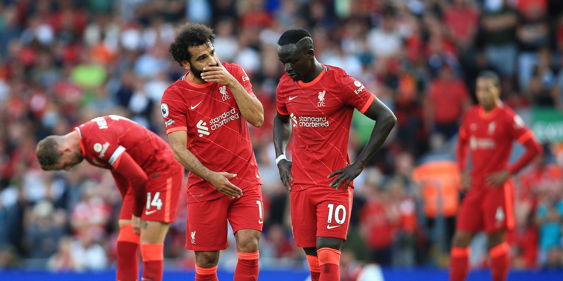 """Gerrard sends Champions League record message to Mane and Salah: """"Smash it lads"""""""
