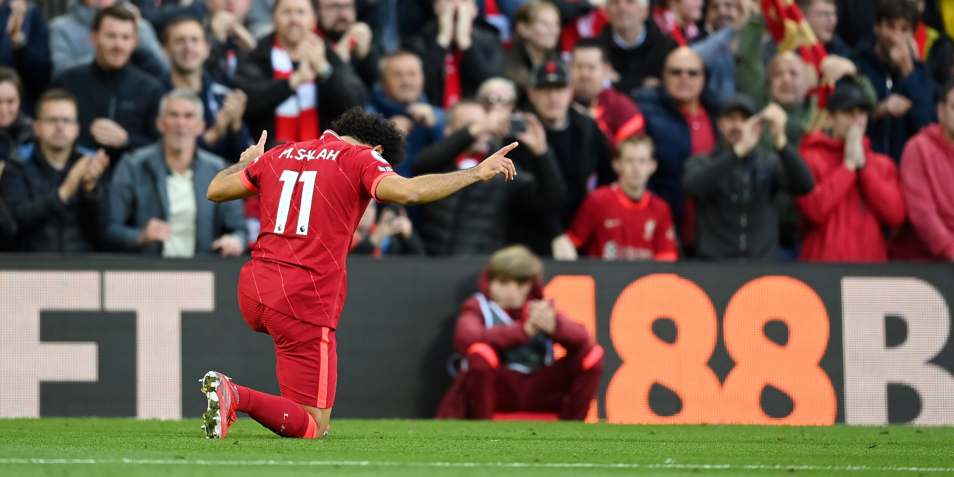 These Liverpool fans are all saying the same thing about Mo Salah's contract demands