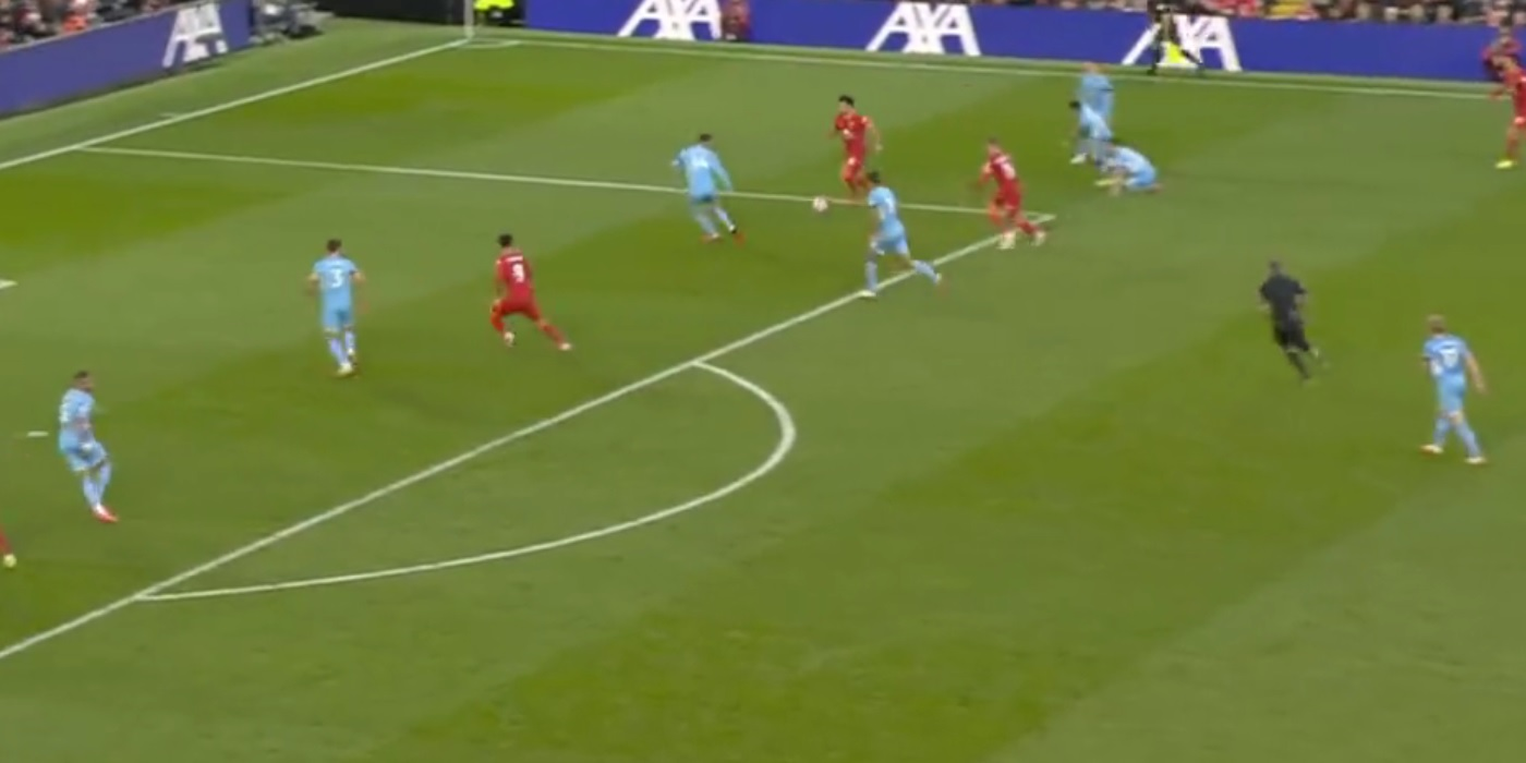 (Video) Mo Salah bags world-class goal to put Liverpool 2-1 up v. Man City at Anfield